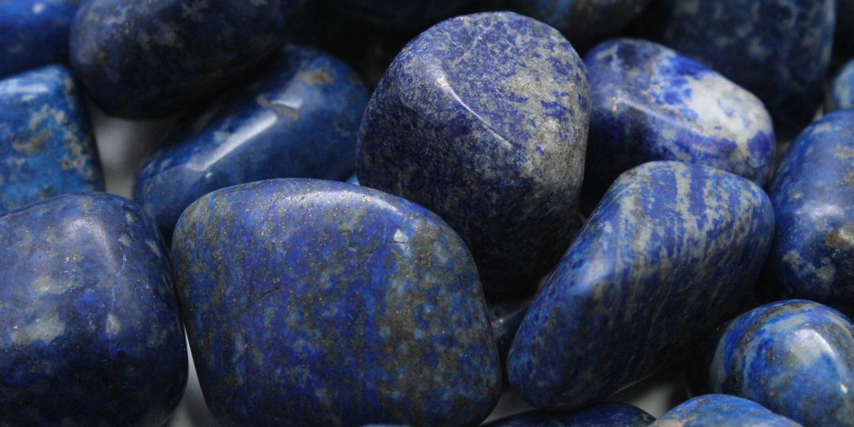 lapis lazuli kristali