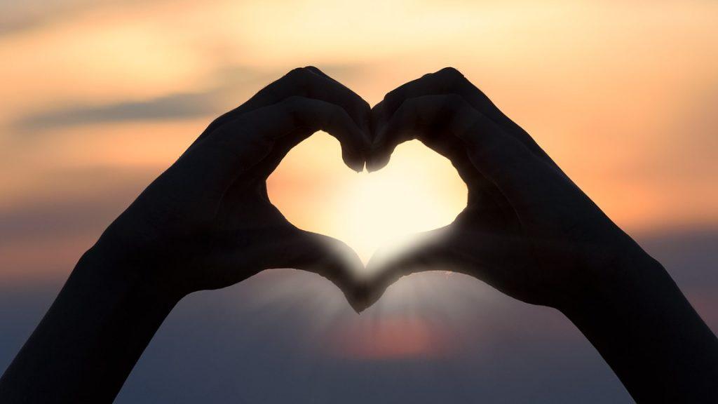 kako zopet ljubiti sebe in ljudi okoli nas?