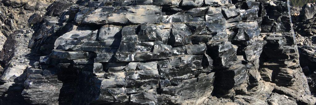poldragi kamen obsidian