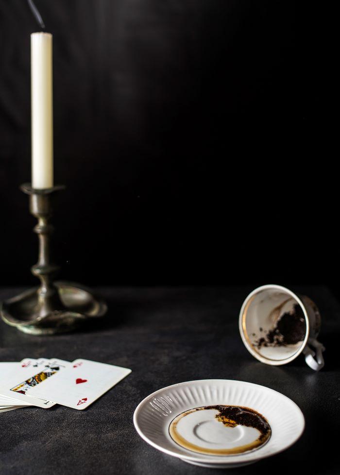 turška kava za šloganje iz kavnih usedlin