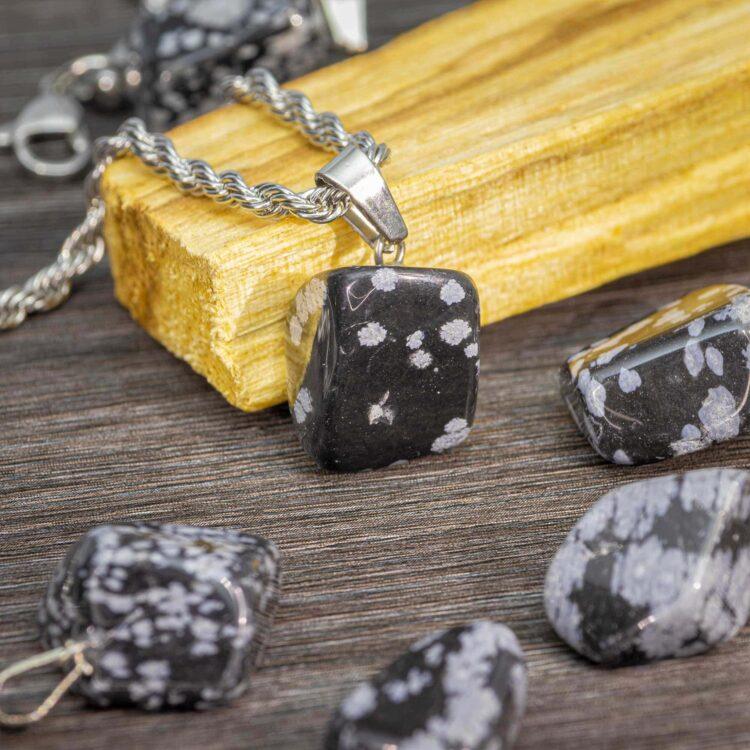snezni-obsidian-poldragi-kamen-obesek-portal8